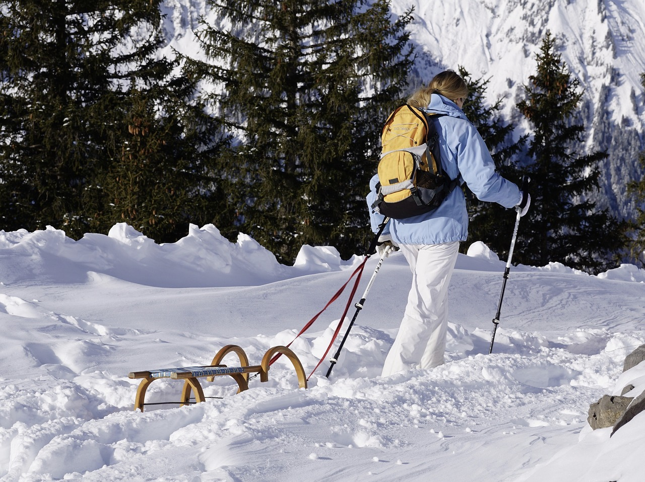 How To Stay Safe When Winter Hiking