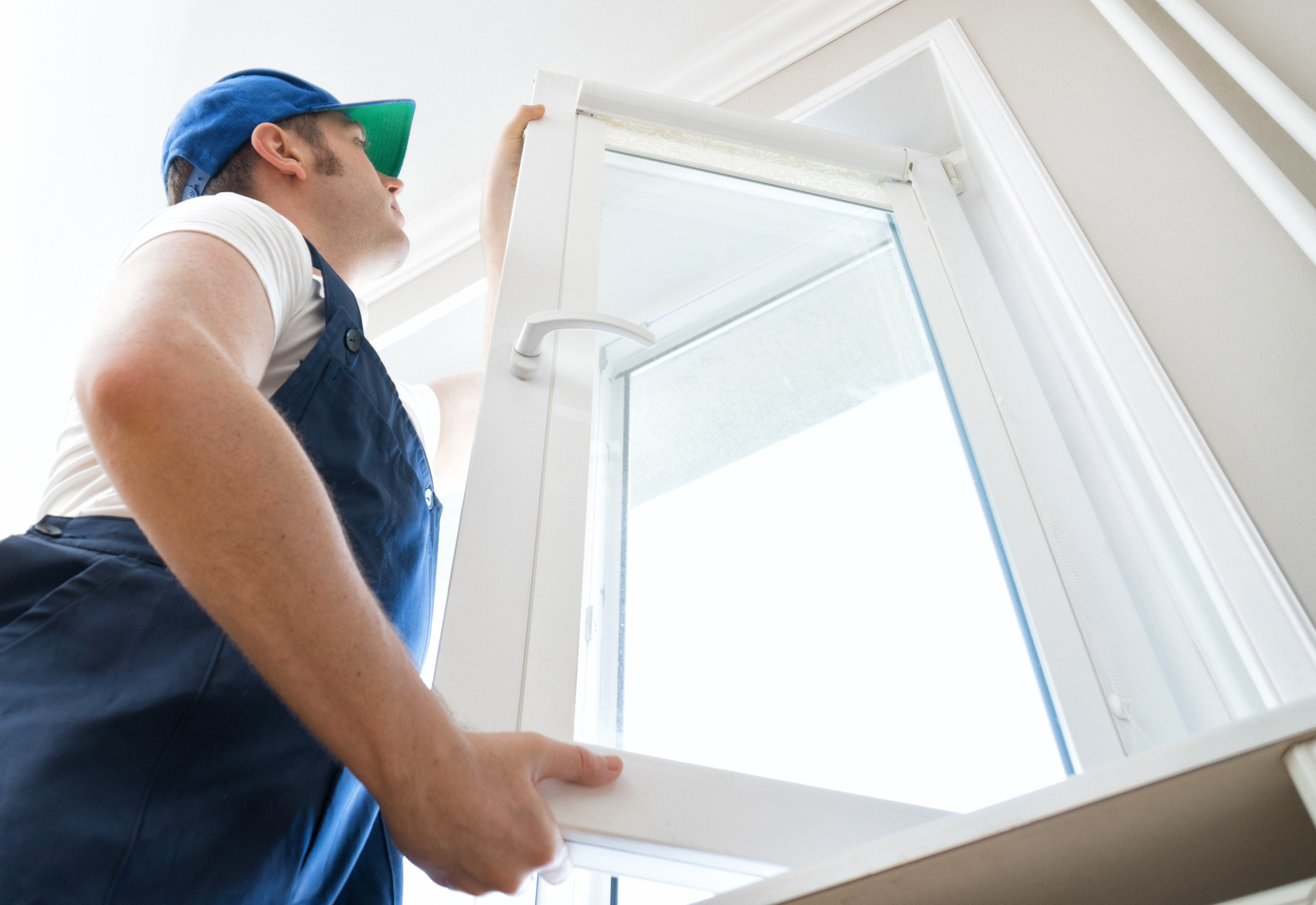 Brr... It's Cold in Here: 5 Signs It's Time to Get Home Window Replacement
