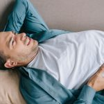 How to cure back pain with good sleeping positions?