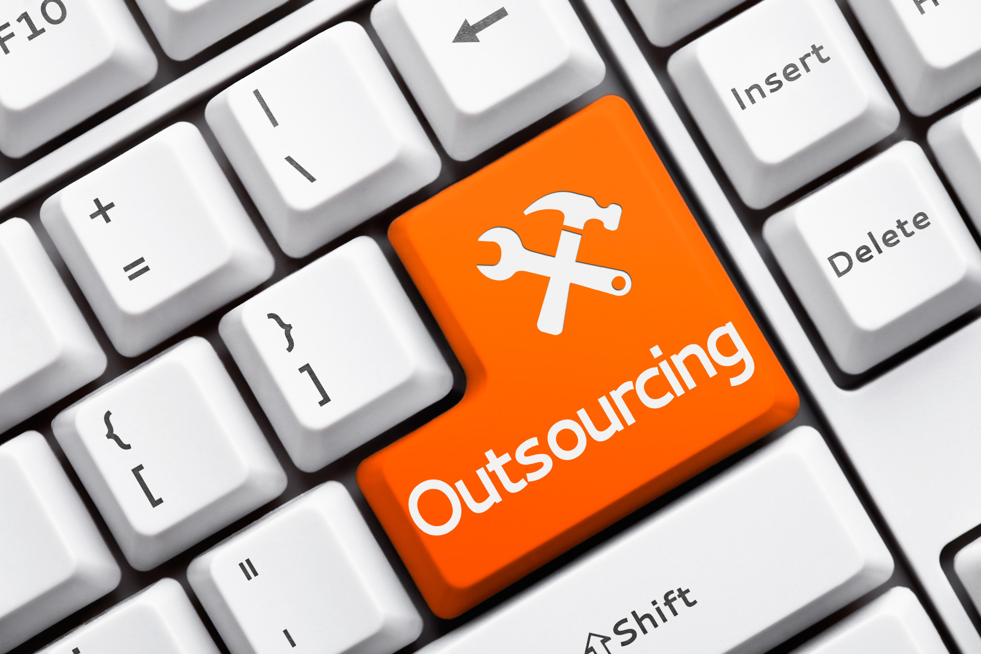 7 Amazing Benefits of IT Outsourcing for Small Businesses