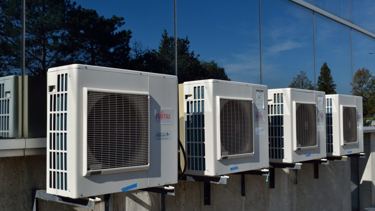 Be Summer Ready: 5 Things to Do When Cleaning Your AC Unit