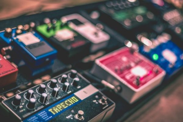 Guitar-Effects-Pedals-Guide-681x437